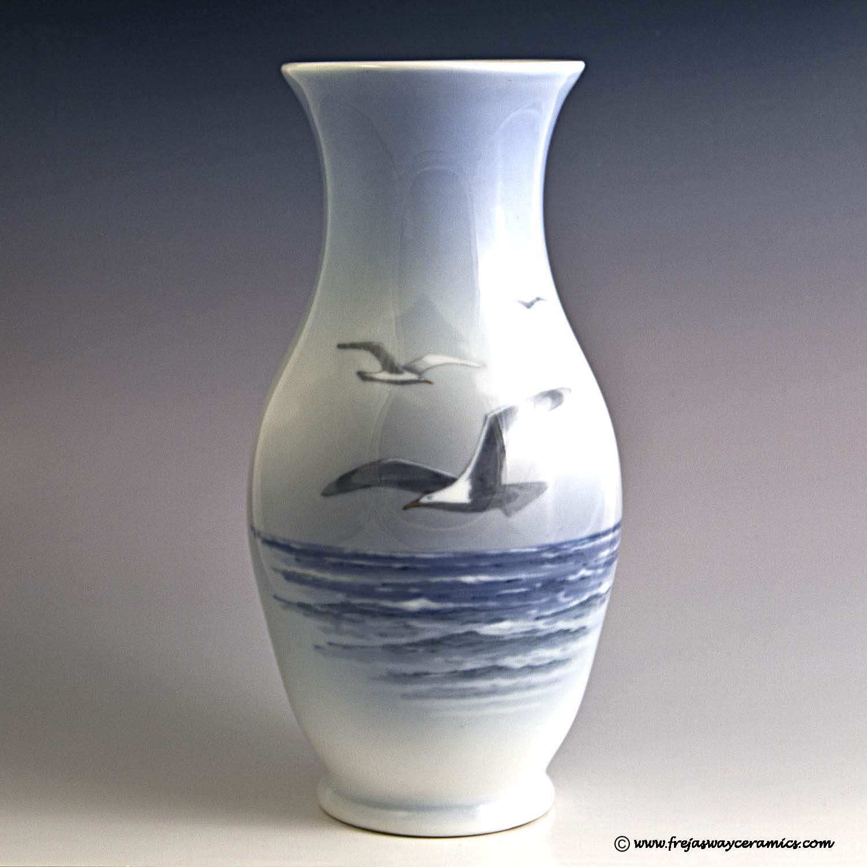 Art dating royal copenhagen porcelain thimble 1